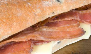 Sandwich-Ciabatta-Crispy-Bacon