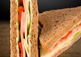 Sandwich-Triunghi-cu-Muschi-Tiganesc