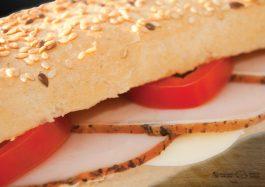 Sandwich-cu-Cotlet-Haiducesc-si-Mozzarella